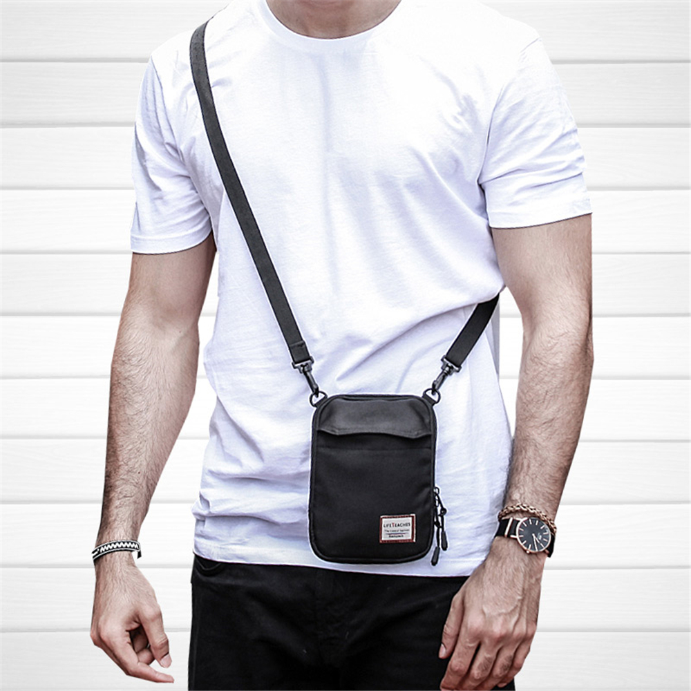 Single shoulder slung small bag 2018 new European and American street fashion men and women retro street hip hop pocket mini mob