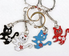 10pcs Vintage Silver Enamel Metal Cat Charms Keychain Ring For Keys Car Key Ring Souvenir Gifts Couple Handbag Accessories A940