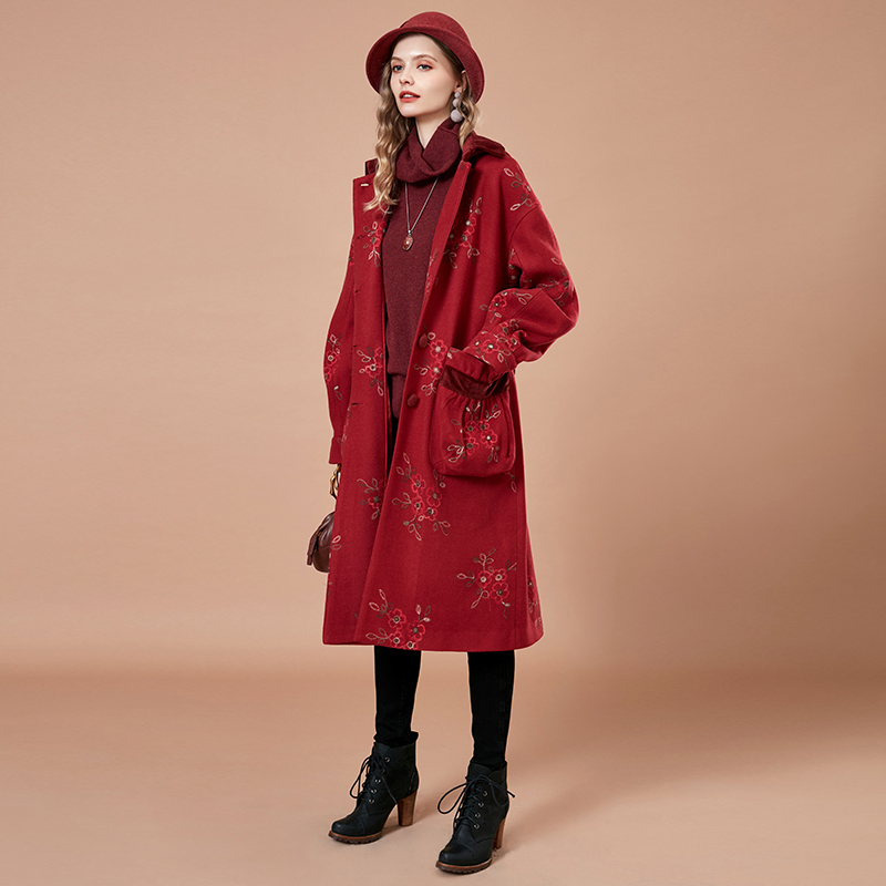 ARTKA 2018 Autumn and Winter New Women Vintage Red Lantern Sleeve Large Pocket Floral Embroidered Loog Woolen Coat WA10182D
