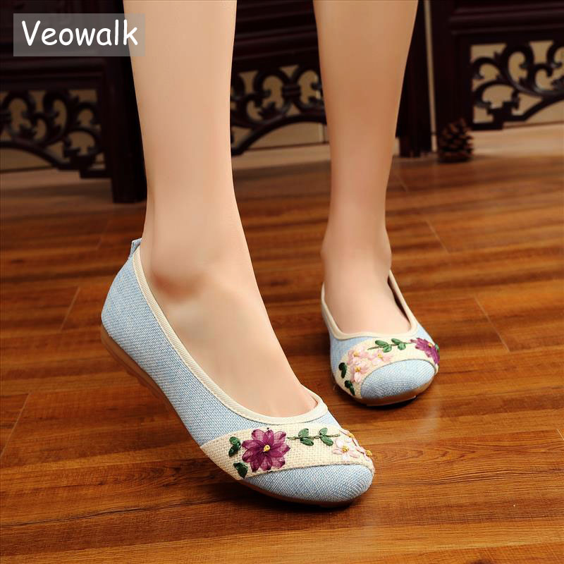 Veowalk New Flower Embroidered Women Breathable Flats Slip On Cotton Fabric Linen Comfortable Old Peking Ballerina Flat Shoes new spring and summer cotton fabric breathable slip on flat with women s loafer mixed colors shoes free shipping