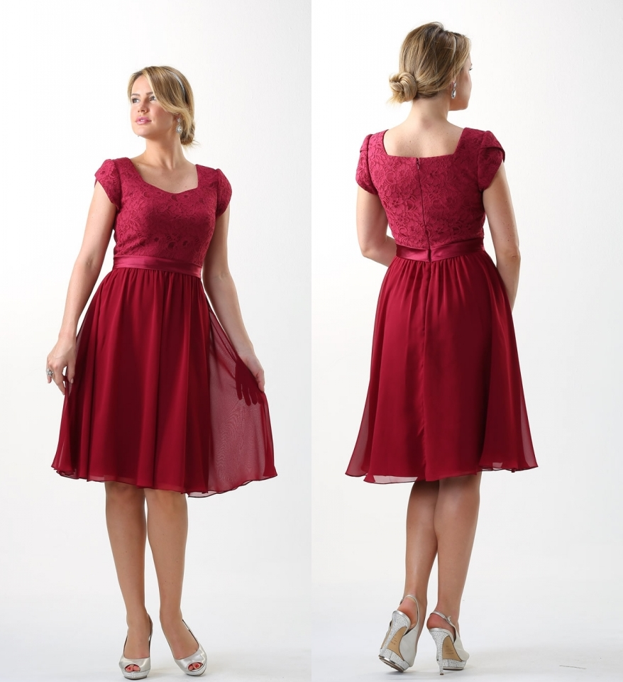 Dark Red Lace Chiffon Short Modest   Bridesmaid     Dresses   2019 With Sleeves Simple A-line Knee Length Country   Bridesmaids   Gowns