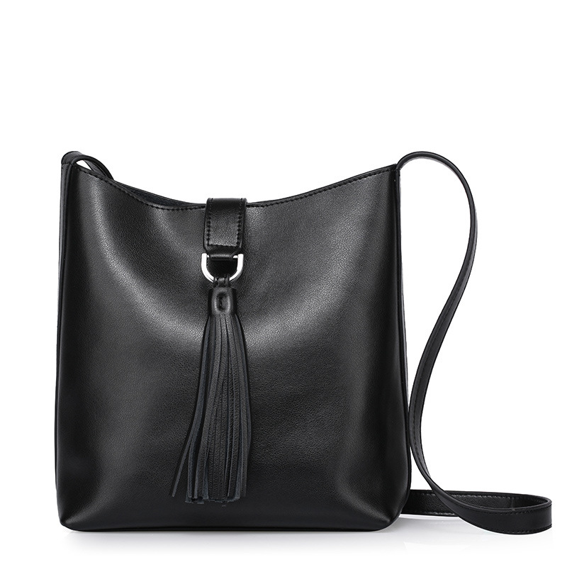 2017 New Summer Fashion Cowhide Women's Cross-body bags all-match Tassels Genuine Leather Shoulder Messenger Bags for lady girls carhartt cross body carry all