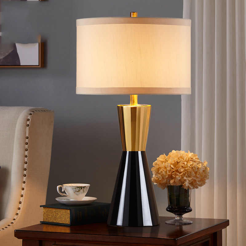 Post-modern Luxtry Black Gold Ceramic American Simple Design Sample Room Living Room Bdroom Decoration Table Lamp