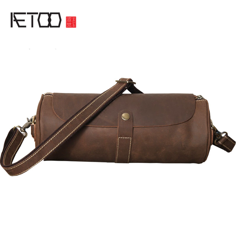 AETOO Original handmade male and female models crazy horse leather shoulder bag art retro cylinder head layer of cowboy diagonal aetoo crazy horse skin large capacity shoulder bag male imports the first layer of leather handmade backpack female travel bag