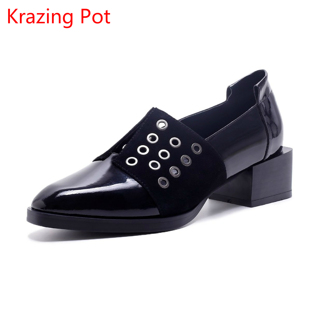 2017 Shoes Woman Rivets Fashion Genuine Leather Square Toe Classic Med Thick Heels Slip on Hollow Pumps Runway Elegant Shoes L50 krazing pot shoes women rivets fashion genuine leather square toe lazy style med thick heels slip on hollow pumps lady shoes l50