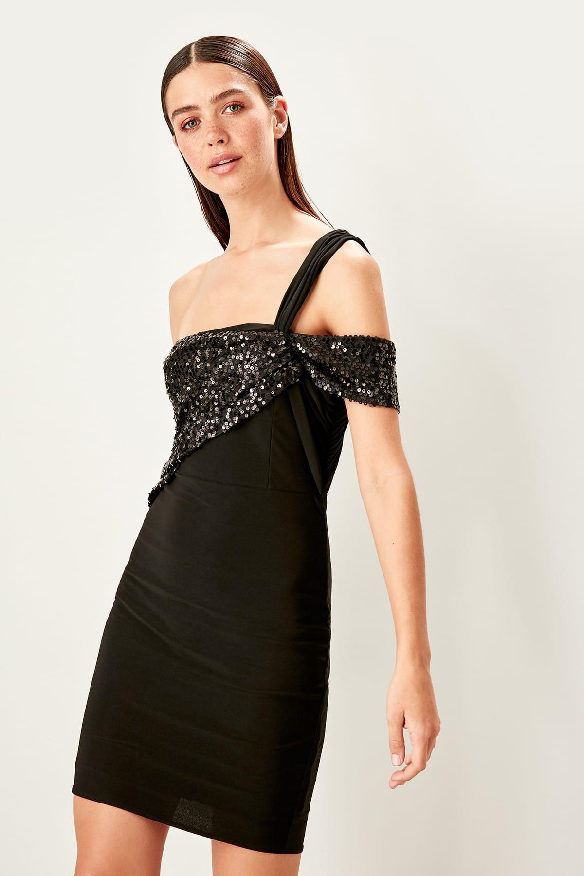 Trendyol Black Sequined Dress TPRSS19FZ0353()