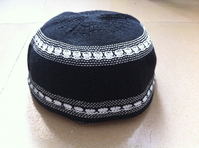 Fancy embroidered Muslim Men prayer cap Skullies Beanie Islamic Turkish  Arabic knitted hat crochet taqiyah topi kufi caps f2ef53f51b