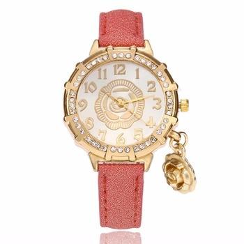 Women Watches 2017 Fashion Causal Ladies Bracelet Watches Luxury Quartz Wristwatch for Women Relogio Feminino Rose Pendant Red