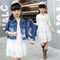 Весной и Осенью ребенок девочка кружева джинсовой пряжи юбка из двух частей набор детской моды кружева и полые одежды костюм