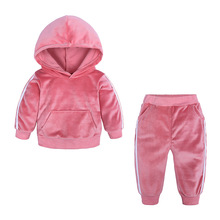купить 2019 Autumn Winter Baby Girls Boys Clothing Sets Kids Casual Hooded Thicken Velvet Children's Sports Suit Clothes дешево