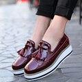 De alta Calidad de Las Mujeres oxfords Pisos de Charol zapatos de Plataforma Borla Resbalón-en punta Mocasines Enredadera Brogue negro Marca