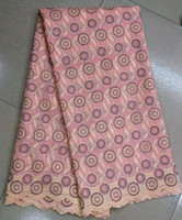 Groothandel zwitserse voile kant perzik kleur borduurwerk Afrikaanse katoen kant stof voor jurk ZC21-4, 5 meter/stuk