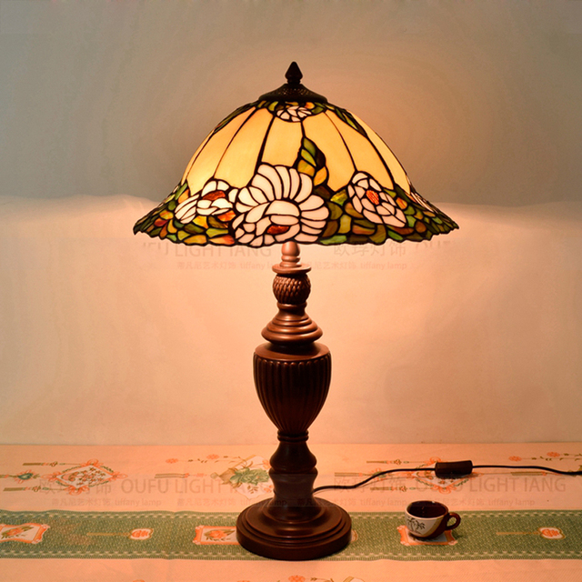 Hot Sale American Pastoral Tiffany Lily Table Lamp Living Room Restaurant  Bedroom Table Lamp