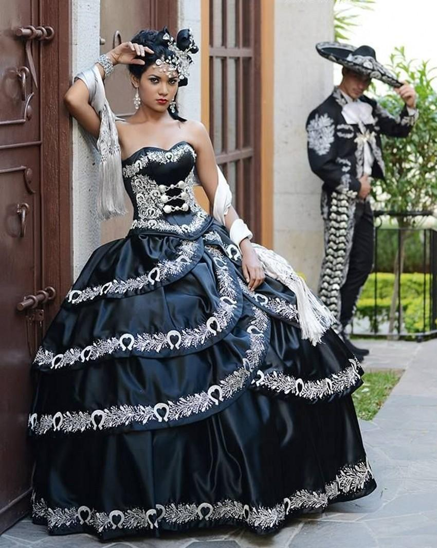 a93e676706 Vestidos de 15 anos Quinceanera Dresses Sweetheart Appliques Ball Gowns  Black And White Elegant Quinceanera Dresses 2017