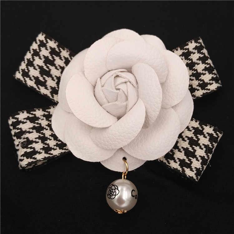 Klassische Camelia Blume Brosche Weiblichen 6,5 cm Kamelie Broschen Pins Berühmte Marke Perle Anhänger Weiß Blume Brosche Pin Für Hochzeit