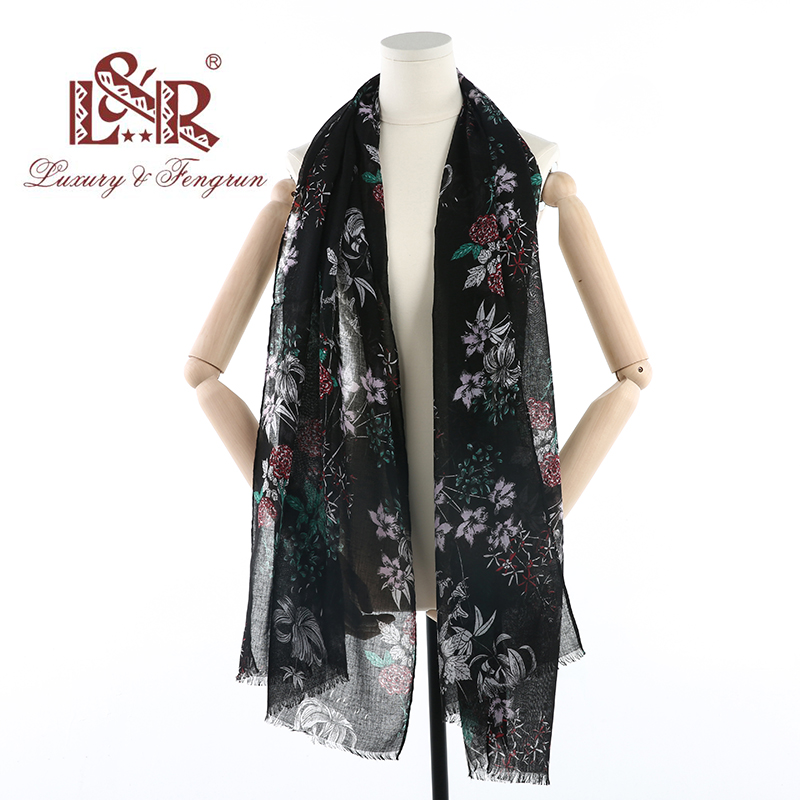 2018Cotton Floral Printed Elegant   Scarf   Women Foulard Femme Silk   Scarf   Warm   Wrap   Shawl Female Fashion Design Bufanda Mujer hijab