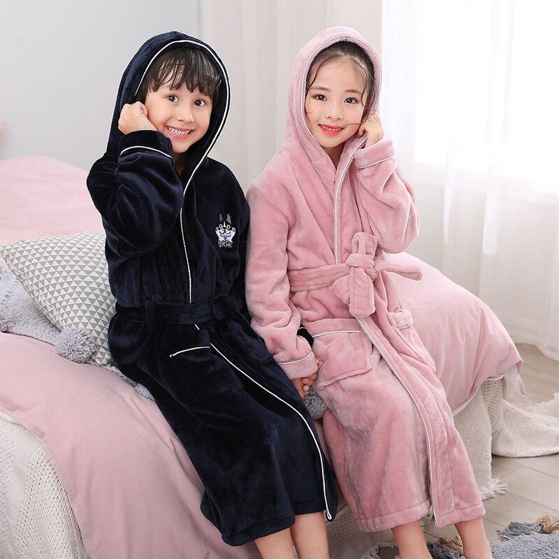 New Arrival Winter Bathrobe For Children Flannel Warm Lengthen Robe Thicken Hooded Dressing Gown Girl Boys Coral Velvet Pajamas