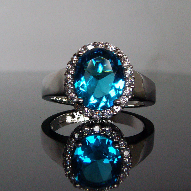 925 Sterling Silver Blue Zirconia Band Ring Size 8 B32