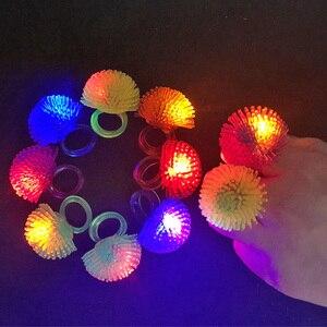 Image 1 - 30 teile/los Led Spielzeug Für Party Luminous Glow Ring Geschenk Weihnachten Spielzeug Erdbeere Weiche Licht Up Spielzeug Für Kinder Glow in Der Dunkelheit