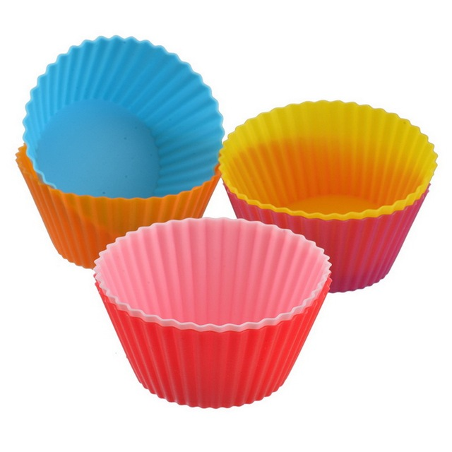 IVYSHION 12pcs Party Tools Silicone Round Baking Cake Molds Reusable Jelly Mould Random Color Cupcake Maker Muffin Cupcake Mould