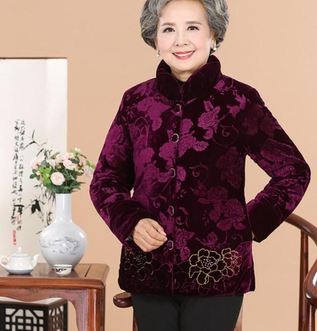 2017 Winter coat grandma installed in the elderly women 60-70-80 years old down jacket old lady Tang suit 2017 60 year old 70 grandmother jacket in the elderly mothers installed women s winter 80 elderly lady down jacket