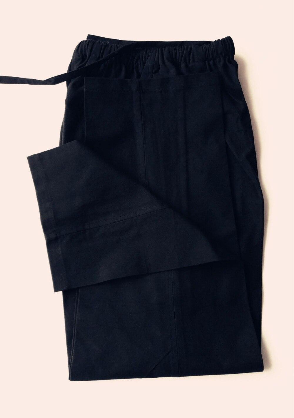 Graue hose schwarz farben