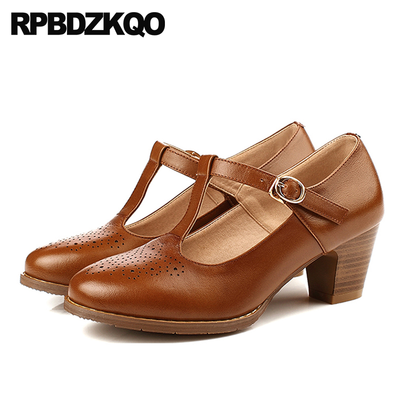 Brogue China Round Toe Medium Heels Shoes Oxford High Chunky Brown T Strap Genuine Leather Retro 2018 Spring Fashion Women PumpsBrogue China Round Toe Medium Heels Shoes Oxford High Chunky Brown T Strap Genuine Leather Retro 2018 Spring Fashion Women Pumps