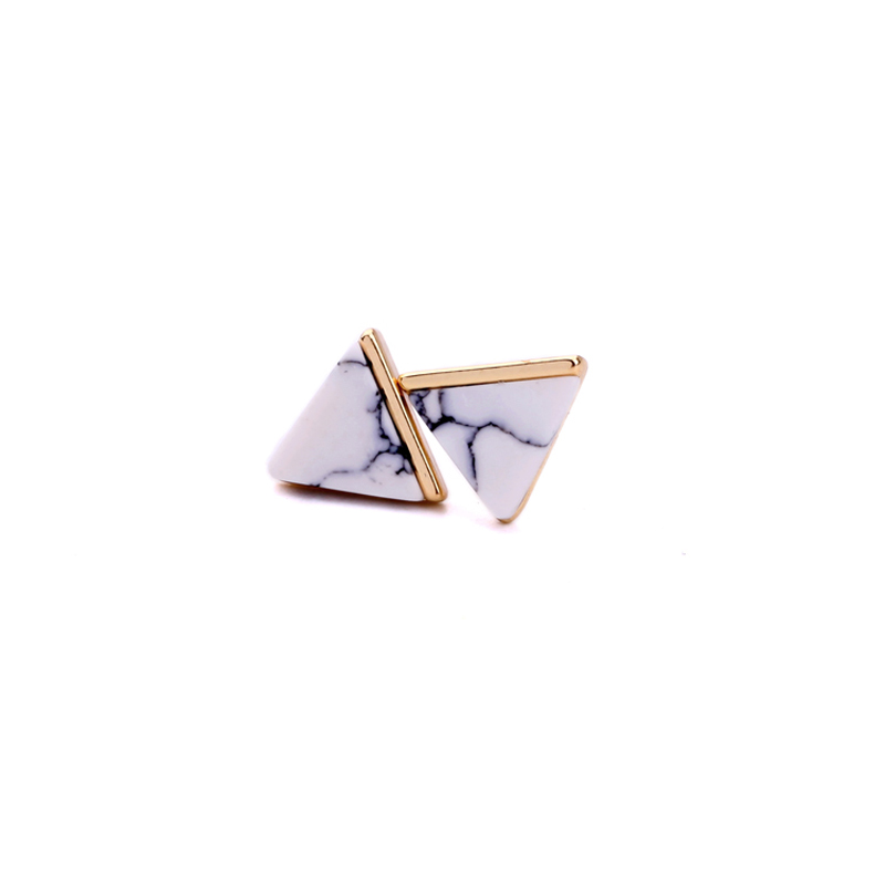 KISS ME bleu triangle Petit simple Boucles d/'oreille Fashion Jewelry ed01367-2