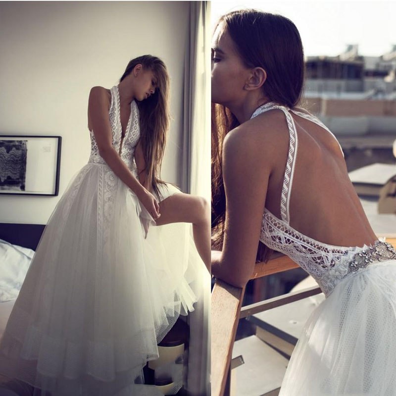 Romantic Boho Beach Wedding Dresses Sexy Backless Halter Hippie Style Bridal Gowns 2019 Chic Lace Plus