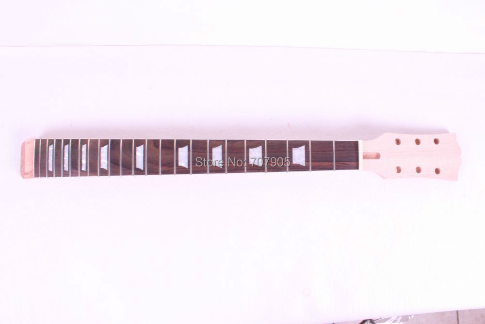 Здесь можно купить   1  pcs high quality  electric guitar neck mahogany made and rosewood fingerboard Спорт и развлечения