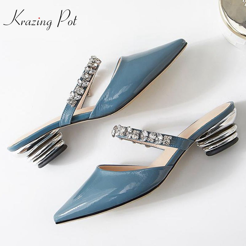 Krazing pot new natural patent cow leather strange style med heels summer women diamond decoration sandals pointed toe mules L36 krazing pot 2018 new arrival sheep suede thick med heels women hollow decoration pumps buckle poined toe model runway mules l61