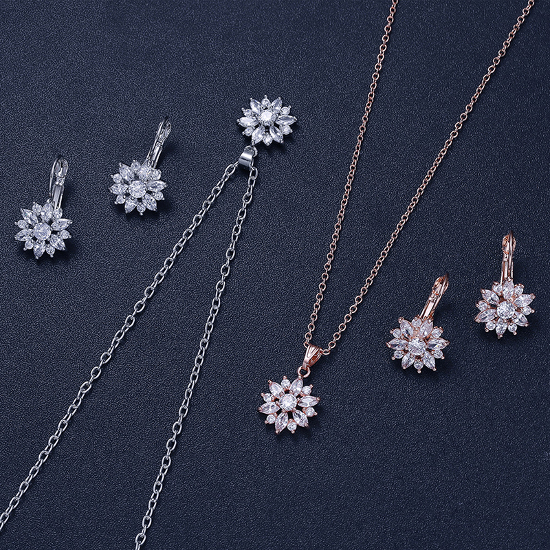WomenGirl Snowflake Pendant Elegant Silver-Color Flowers Fashion Jewelry Necklace Sets