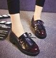 2017 Новый Горячий Продажа ретро кисточкой женщины кожаные ботинки Круглая голова уютная женщина oxfords квартир женщин повседневная обувь