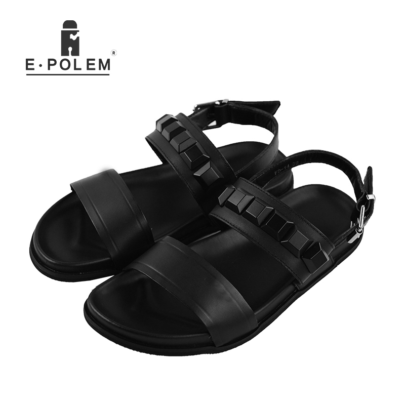 2018 Summer New Style Men Rome Genuine Leather Sandals Fashion Retro Male Hollow Out Black Rivet Breathable Beach Sandals