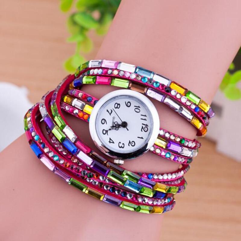 58ac6fb59203 Dobroa moda Venta caliente mujeres pulsera Top marca de lujo relojes de  pulsera para las mujeres rhinestone colorido cuero de terciopelo señoras  reloj