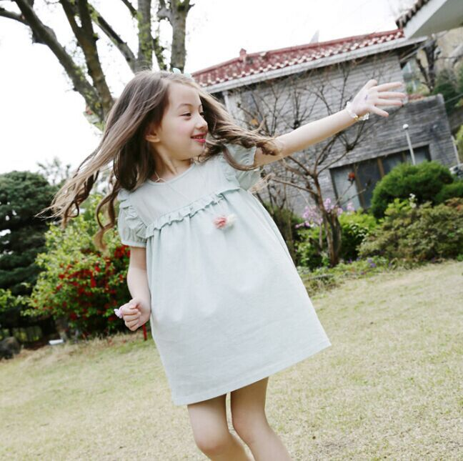 2018 Ny sommar barnkläder Light Girls Puff Sleeve Barnklänning Solid Green Quality Bomullslinne Casual Kids Ruffles Dress