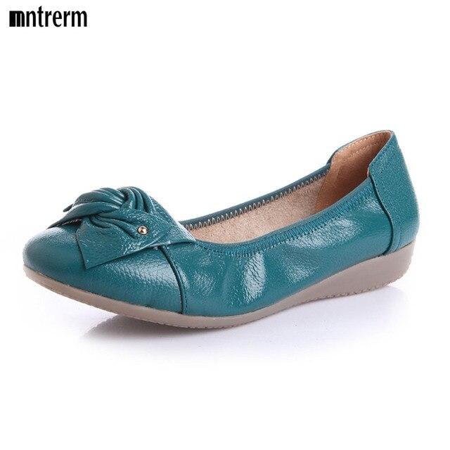 Новый Натуральная Кожа Женщины Квартиры Мокасины Мокасины Дикий Вождения Случайные Мать Обувь Досуг Краткие Плоские Туфли Push большой Размер