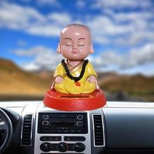 Auto bambola solare ballerino scuotendo la testa giocattolo del fumetto della resina piccolo monaco decorazione di interni auto accessori cruscotto auto ornamenti