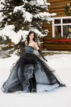 Black Blue Non White Gothic Wedding Dresses 2016 Princess Winter Ball Gown Formal Bridal Gowns With Color Strapless Simple