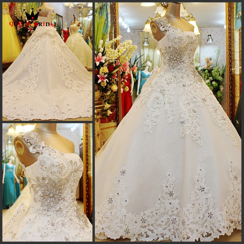 Custom Made Ball Gown Fluffy One Shoulder Tulle Lace Crystal Diamond Sexy Luxury Bridal Wedding Dresses Wedding Gown WS65