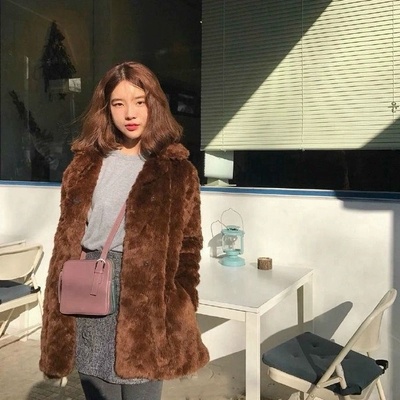 2018 New Style High-end Fashion Women Faux Fur Coat S22 thumbnail