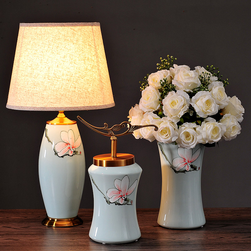 European style retro luxury model hall Home Furnishing tenant soft decoration ceramic vase ornaments Chinese blue