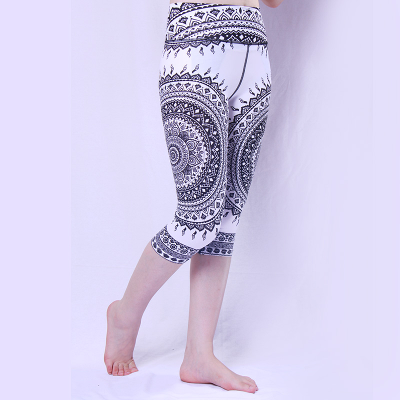Купить с кэшбэком Wonder Woman lycra sport tight  Cycling Pants 3/4 Tights Shorts  Ladies  Bike Outdoor sports Short Pant no pad