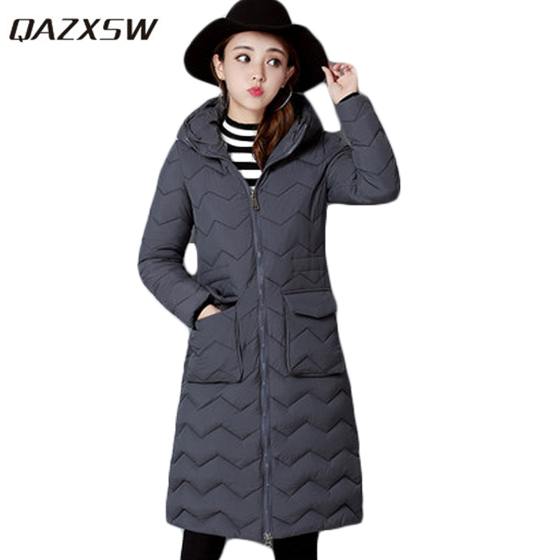 QAZXSW 2017 New Winter Cotton Coat Women Padded Jacket Hooded Long Parkas For Girl Thick Warm Winter Coat Jaqueta Feminina HB274 qazxsw 2017 new winter cotton coat women slim hooded jacket two sides wear long parkas fur collar winter padded abrigos hb339