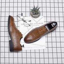 Moda PU de Couro Dos Homens Se Vestem Sapatos Dedo Apontado Bullock Oxfords Sapatos Para Homens Ata Acima Sapatas Dos Homens Designer de Luxo