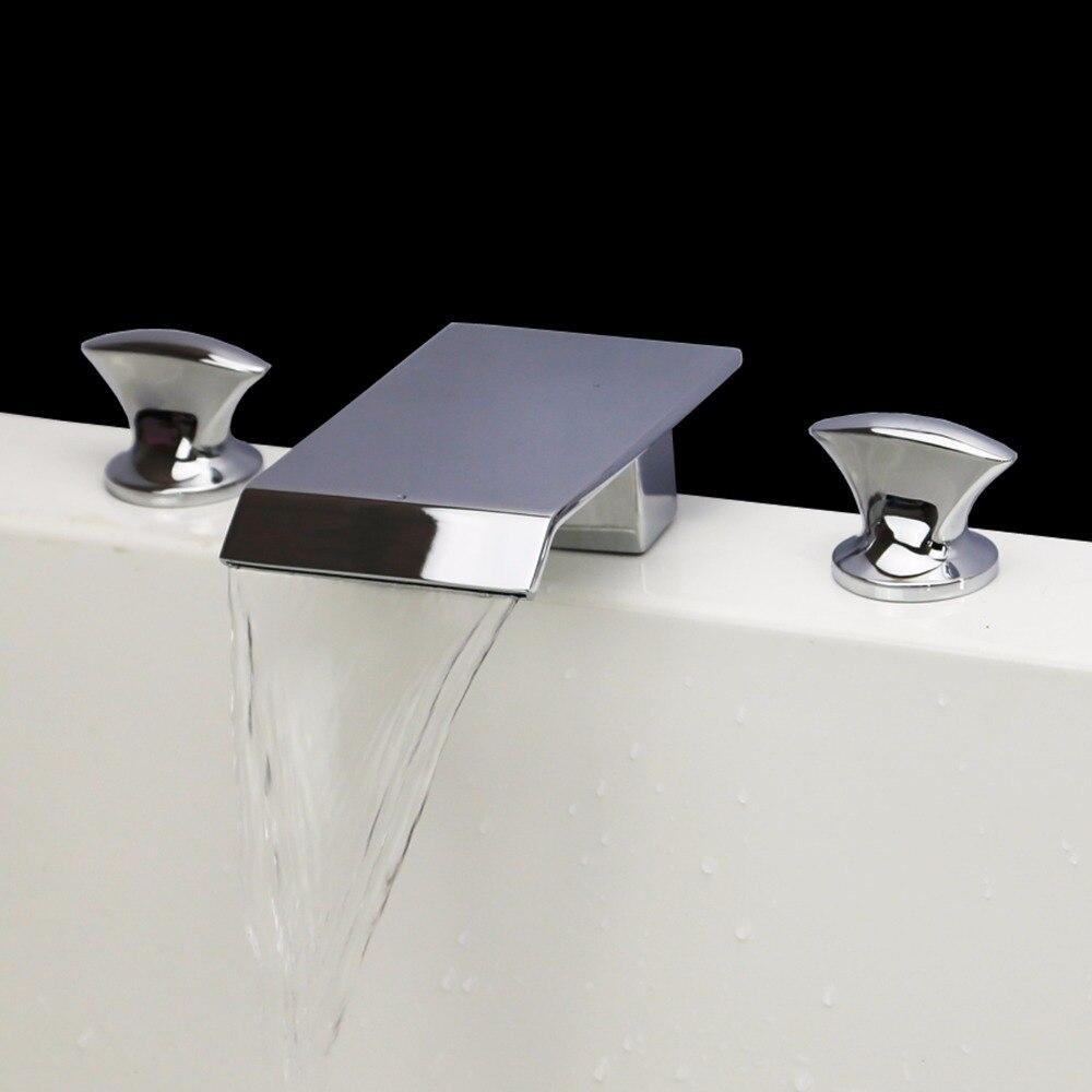 Livraison gratuite moderne cascade 3 trous répandu salle de bains lavabo robinet robinet en Chrome finition pont monté robinet carré