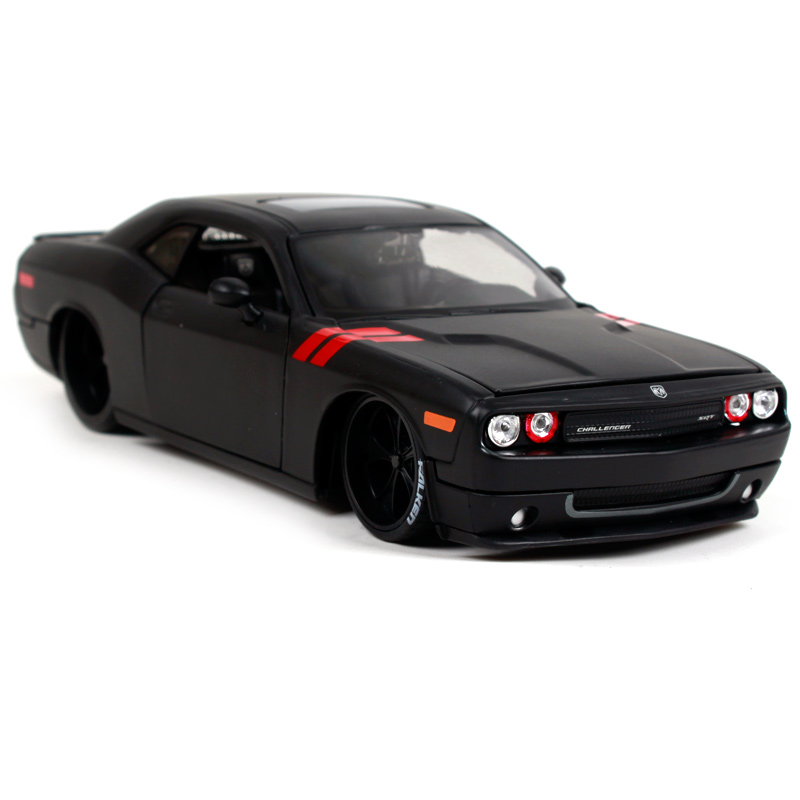 Maisto 1/24 Dodge Challenger RT Muscle Car Diecast Model Car Simulatio Collector Edition Metal Kids Toys Christmas Gift