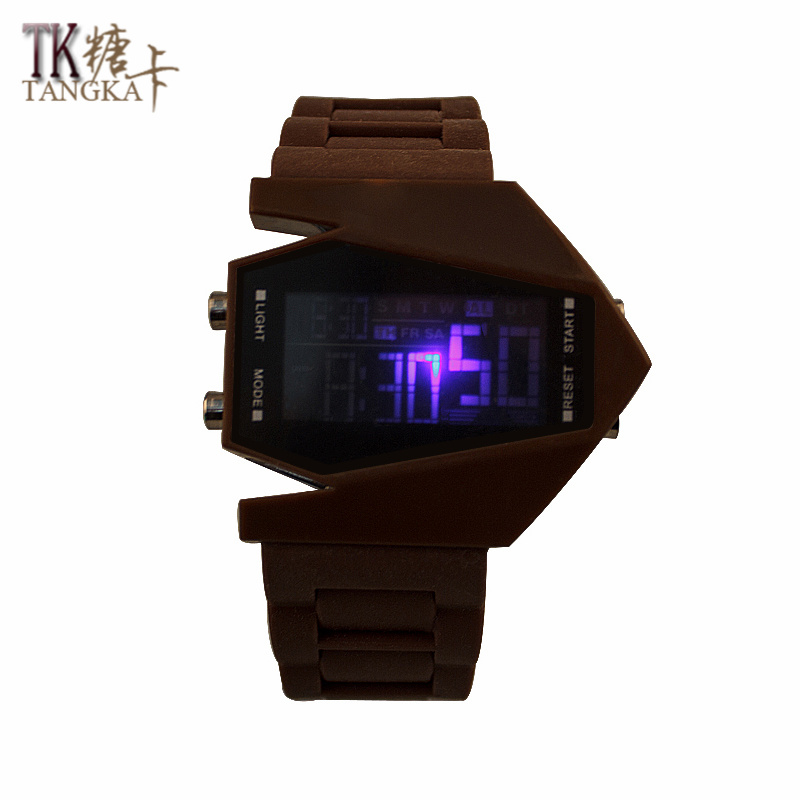New Fashion Watches For Men And Women LED Watch Brown Model Plane Creative Digital Display Rubber Watch Strap Watch Digital