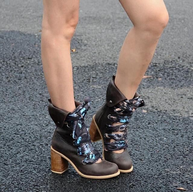 New Fashion Mixed Colors Silk Shoelace Women Ankle Boots Round Toe Cowboy Style Ladies Chunky Heel Lace Up Boots