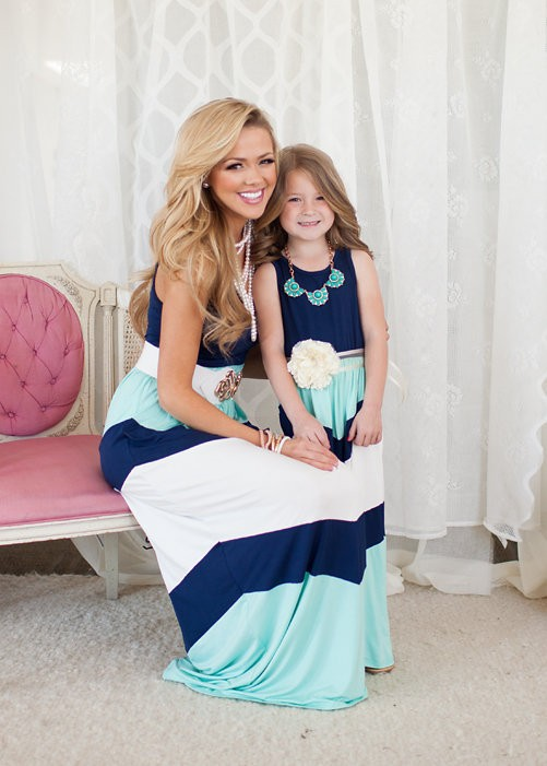 Mother and Daughter Matching Dresses (1)